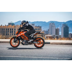 MOTO KTM NAKED 390 DUKE CARRETERA